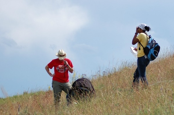 Students identify grass species at UNDERC-West